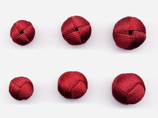 数珠用 梵天房(正絹)赤紫 左から13mm16mm18mm 上段は房穴箇所