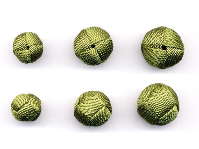 数珠用 梵天房(正絹)柳 左から13mm16mm18mm 上段は房穴箇所